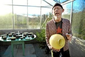 På lördag kommer keramikern Kennet Williamsson tillbaka till Östansjö för att berätta om sitt liv och konstnärsskap.