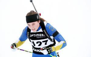 I stället klev klubbkompisen Märta Andersson fram och blev bästa tjej född 2002 i jaktstarten i D 18–19, som dominerades av de ett år äldre tjejerna.