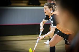 Linda Amskog är en rutinerad spelare och har varit med i laget sedan starten. Inför seriestarten var hon inte övertygad om att vara med men nu ska hon satsa helhjärtat på att föra laget vidare till final.Foto: Lennye Osbeck