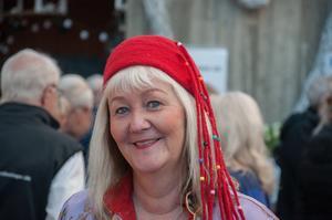 Carina Aynsley visade upp kläder och hattar som tillverkats i Nepal.