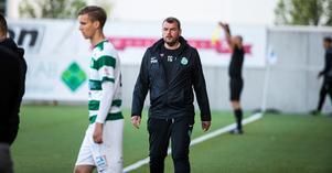 VSK:s huvudtränare Thomas Gabrielsson under matchen mot Syrianska.