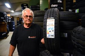 Mellan 1500 - 2000 kronor kostar nya däck till en husvagn, det kan vara en bra investering innan man ger sig ut på vägarna, tipsar Kenth Larsson.