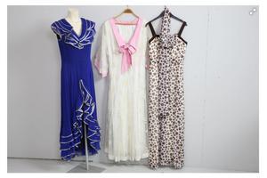 Tre klänningar bland annat 1960-tal. Foto: Effecta