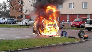 Bild från en tidigare brand på Rönnbergagatan.