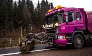 Enligt kontraktet med Trafikverket har Peab ansvar för drift och underhåll av vägen i 20 år efter trafiköppningen.