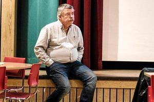 Leif Lindholm har fått svara på många frågor – och fått mycket kritik – vid de medborgarmöten som föregick omläggningen av busstrafiken.