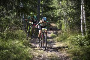 Jennie Stenerhag och Hanna Bergman hade sällskap under den större delen av tävlingen.