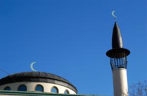 Ronja Strid menar att böneutrop inte är förenligt med religionsfriheten i Sverige. Bild: Hasse Holmberg/TT