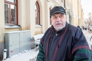 81-årige Ulf Fägell tror inte att Black friday kommer att konkurrera ut mellandagsrean.