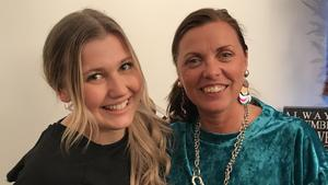 School's out live-vinnaren Linn Wikblad fick träffa Idols egna röstcoach Susanne Bertlin för en personlig lektion i Stockholm. Foto: Privat
