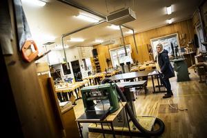 Hansåkerskolan får ny utrustning till träslöjdssalen och syslöjden.