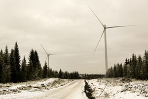 12 mil nybruten väg har möjliggjort bygget av Åskälens vindkraftspark med 80 vindsnurror som per år levererar el motsvarande halva Östersunds stads elbehov.