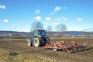 Staten bör återta försörjningsansvar för livsmedel. En förutsättning för det är jordbruket.