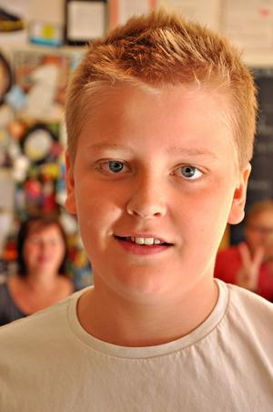 Emil Sanderfors, 12 år, klass 6:– Det känns kul, jag har ändå inget annat att göra om dagarna. Jag har längtat lite, åtminstone efter att ha matte och geografi som är mina favoritämnen.
