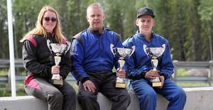 Helgens tre segrare direkt efter prisutdelningen. Amanda Hedälv, Robert Karlsson och Kalle Agerberg.