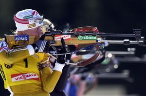 Magdalena Forsberg i full aktion på skjutvallen. Foto: Lise Åserud/SCANPIX