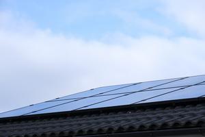 Felinstallerade solceller ökar tyvärr tillsammans med efterfrågan. Foto: Sören Andersson/TT