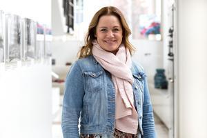 Jenny Larsson, som har viss anknytning till Ludvika, har utsetts till försäljnings- och marknadschef vid ABB Power Grids i Sverige. ABB i Ludvika med cirka 2 800 anställda ingår i Power Grids.Foto: Fredric Wigh, ABB