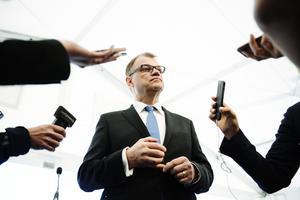 Den sittande regeringschefen i Finland, Juha Sipilä, är hårt ansatt och spås förlora det kommande valet.