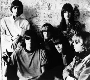 Bandmedlemmarna i Jefferson Airplane 1966.  Uppe till höger sångerskan Grace Slick.  I övrigt från vänster Marty Balin, Jorma Kaukonen, Paul Kantner, Spencer Dryden and Jack Casady.  (AP Photo)