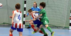 Derbyt mellan KB 65 och Nätra inledde andra omgången i division 2 i futsal som spelas i Björnahallen. Unga KB 65 imponerade.