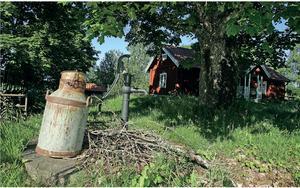 Mora torp, som används av Naturskolan, är en viktig kulturhistorisk miljö att ta hänsyn till vid framtida exploatering i Lina. Foto. Södertälje kommun