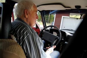 Sven-Olof Persson hade ingen tanke på att bli taxiägare från början, men det ena gav det andra och han trivs bakom ratten.