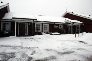 När Adium Omsorg AB ansökte om tillstånd för att bedriva äldreomsorg på Bergheden i Äppelbo, nekades de av IVO (Inspektionen för vård och omsorg).
