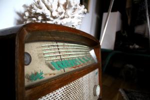 Vad jag ska göra med en gammal radio? Jag vet inte, men den gav mig Hawaii-vibbar och det kan jag inte stå emot. Den följde med hem från Gotland.