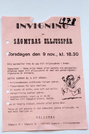 Gammal affisch från invigningen av Sågmyras elljusspår 1978.