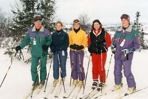 Redan tidigt började familjen Bernadotte intressera sig för friluftsliv. Här en bild från Storlien 1997. Från vänster  kung Carl XVI Gustaf, prinsessan Madeleine, kronprinsessan Victoria, drottning Silvia och prins Carl Philip. Foto: Erhan Güner / TT/SCANPIX