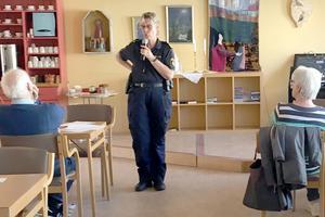 Helena Sundberg informerade Hjärt-Lungföreningens medlemmar om trygghet i vardagen. Foto: Eva Froms