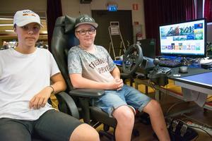 Melvin Edin och  Ante West var två av 25 ungdomar som deltog i den tredje omgången av Dunderlan i allaktivitetshuset Saga i centrala Strömsund.