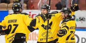 Sebastian Benker gjorde båda VIK:s mål i 2-0-segern över Björklöven. Foto: Daniel Eriksson / BILDBYRÅN