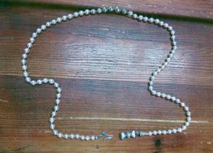 Ett av de smycken som stals vid inbrottet.