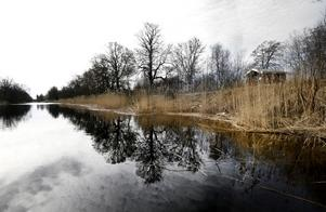 Det planerade bygget vid Väddö kanal skapade en livlig debatt.