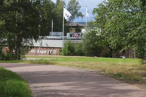 Lidl, som planerar att åter öppna i Norslund 2020, har konkurrens på nära håll. Willys i Origo ligger bara ett stenkast  bort från gång- och cykelvägen som löper precis intill eller på den mark som Lidl nu vill köpa av kommunen.