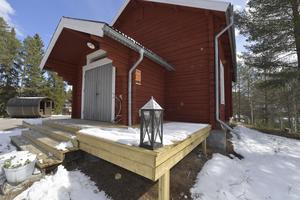 Det var en kyrka men har nu förändrats till att bli en bostad i Idre.