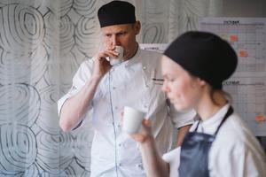 Expertpanelen bestod av Martin Isaksson och Maria Engshagen från Chokladfabriken i Stockholm.Bild: Ola Jacobsen
