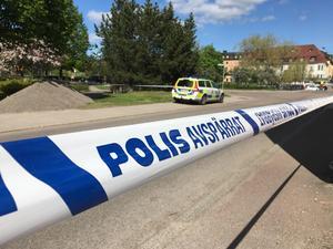 Ett stort område kring polishuset spärrades den 18 maj.