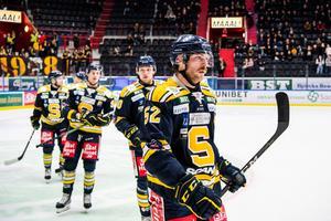 Christopher Liljewall, Ludwig Blomstrand och Nick Olesen fortsätter att få SSK att jubla. Foto: Maxim Thoré / Bildbyrån