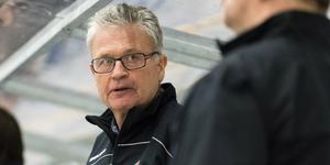 Pelle Bäckman i Modos bås under slutet av säsongen 16/17. Foto: Pär Olert/Bildbyrån.