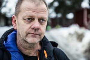 Spaningsledare Ola Pettersson på plats i Kvarnsveden.