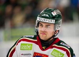 Fredrik Eriksson under sin tid i Frölunda. Efter fem säsonger uppges backen nu vara sugen på att flytta närmare familjen. Bild: Avdo Bilkanovic (Bildbyrån)