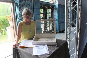 Kristina Dahl håller i trådarna för insamlingen av silver till det rekordlånga silversmycket.