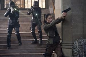 """Det är mycket action i nya """"Total recall"""". Men spänningen dör ändå. Jessica Biel spelar en av rollerna."""