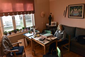 Joanna Svensson tog emot tidningen på Myran, en hemslöjdsbutik och inofficiell turistbyrå.
