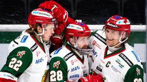 Oskar Svanlund blev matchvinnare med sitt 3–2-mål i förlängningen. Foto: Maxim Thoré / BILDBYRÅN