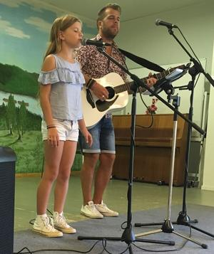Marcus Molin med dotter Melody