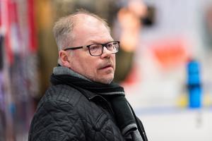 Kent Norberg i båset i NHK Arena. Bild: Pär Olert/Bildbyrån